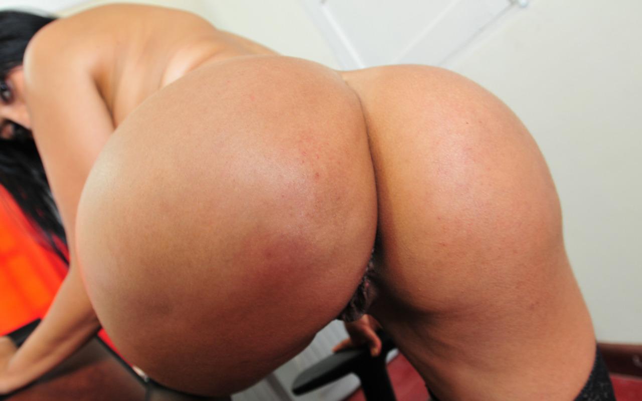 видео секс круглая попка латинки