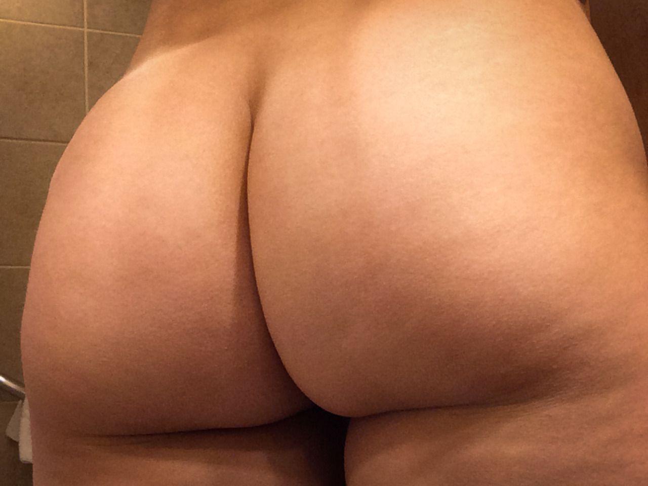 Смотрет фото жопа, Голые жопы - большая и толстая жопа девушек 1 фотография