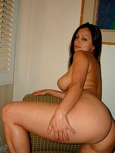 Красивые мощные ляжки голых девушек