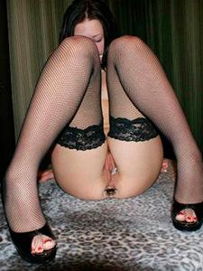 Русская девушка с рабочей дыркой в жопе